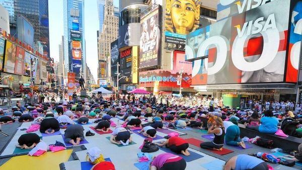 Oh nein, ist Yoga etwa Trend oder Ersatzreligion?