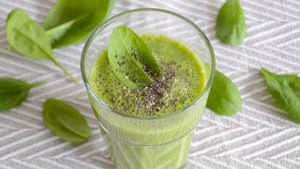 Spinat-Kiwi-Smoothie mit Cashew
