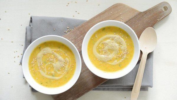 Kohlrabi-Karotten-Mandel-Suppe