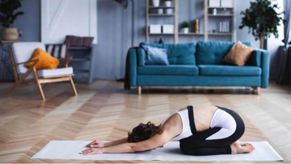 Yoga zu Hause: 3 Tipps für Anfänger