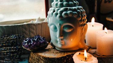 I370 208 yoga askese rituale