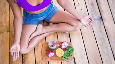 I370 208 yoga meditation achtsamkeit essen