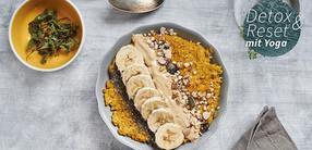 Kurkuma Porridge mit Nuss-Topping