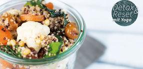 Salat mit gebackenem Gemüse und Zedernüssen