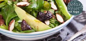 Salat mit Avocado und Mandeln