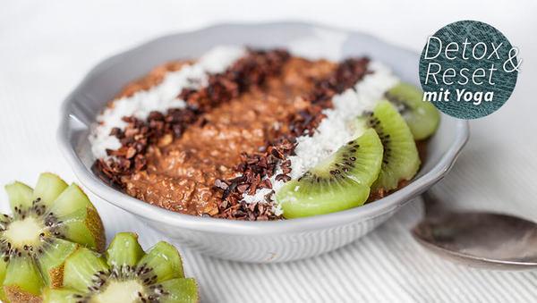 Porridge mit Hafermilch und Obst