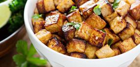 Tofu mit Spitzkohl-Orangen-Salat