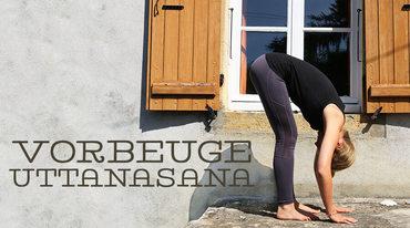 I370 208 yoga uttanasana asana