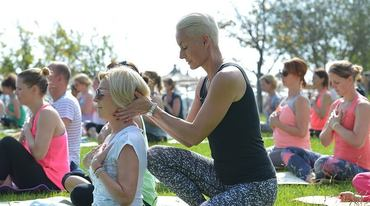 I370 208 richtiger yogalehrer