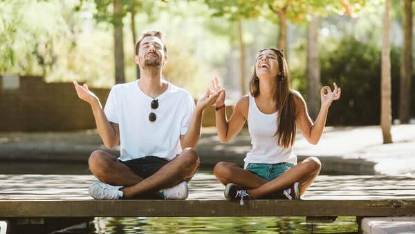 Lach dich gesund: Alles über Lachyoga