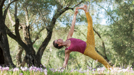 Medium peakpose sequencing yoga artikel
