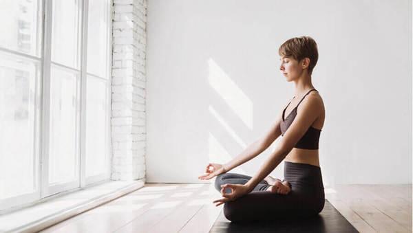 Die 4 Yogawege: Alles über Raja Yoga