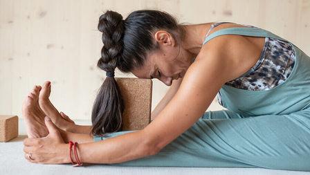 Medium erschoepfung muedigkeit yoga header