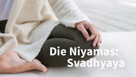 Medium svadhyaya selbsterforschung studium yoga header dsc 6754 xenia bluhm