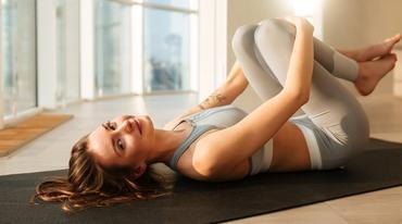 I370 208 yoga glow praxis header 1120038152