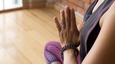 I370 208 mudra haende yoga 424171591 header