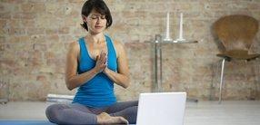 Yoga zuhause - wie schaffe ich es auf die Matte?