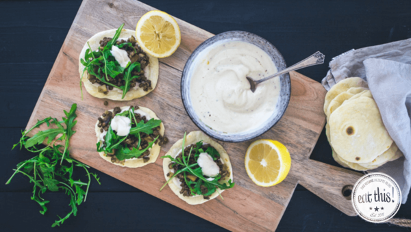 vegane linsen tacos mit tahin joghurt dip und rucola. Black Bedroom Furniture Sets. Home Design Ideas
