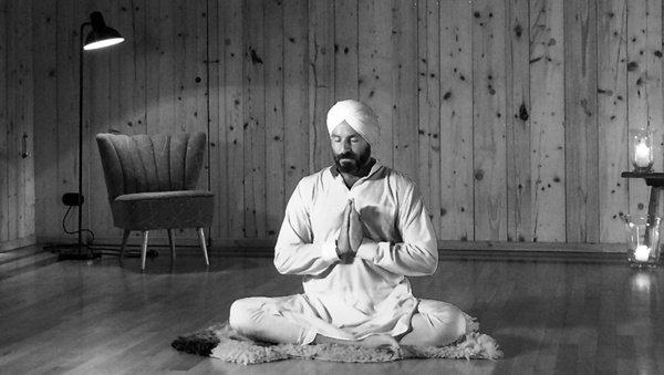 Yogalehrer André Danke über Kundalini Yoga