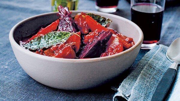 Rezept von Anna Jones: Rote Beete-Bourguignon