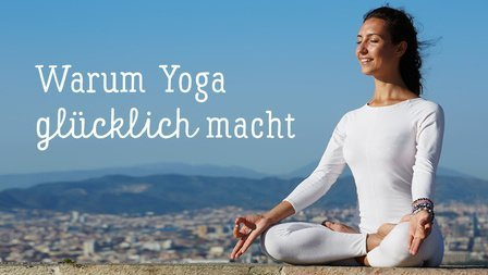 Medium yoga gluecklich shutterstock 237441157