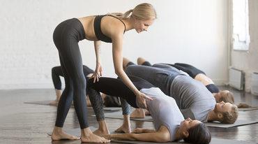 I370 208 yoga anfaenger setubandha