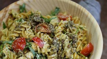 I370 208 vollkorn pasta salat mit pesto
