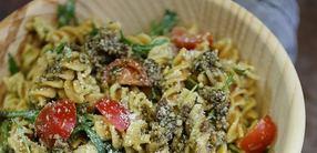 Vollkorn Pasta-Salat mit Pesto