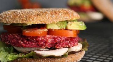 I370 208 quinoa burger mit portobello pilz