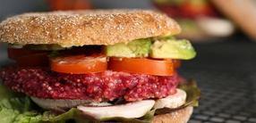 Quinoa-Burger mit Portobello-Pilz