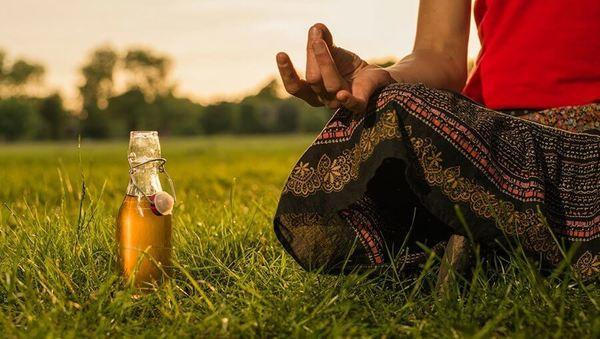 Large cool durch den sommer mit yoga neu