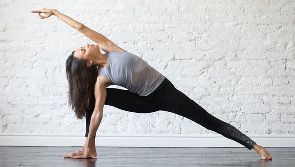 3 Asanas für starke Beine