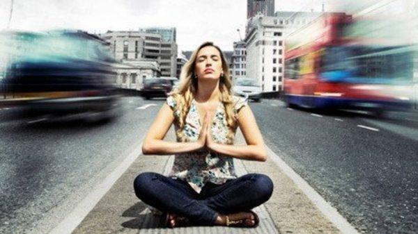 Yoga-Szene: Per Anhalter durch die Yoga-Galaxie