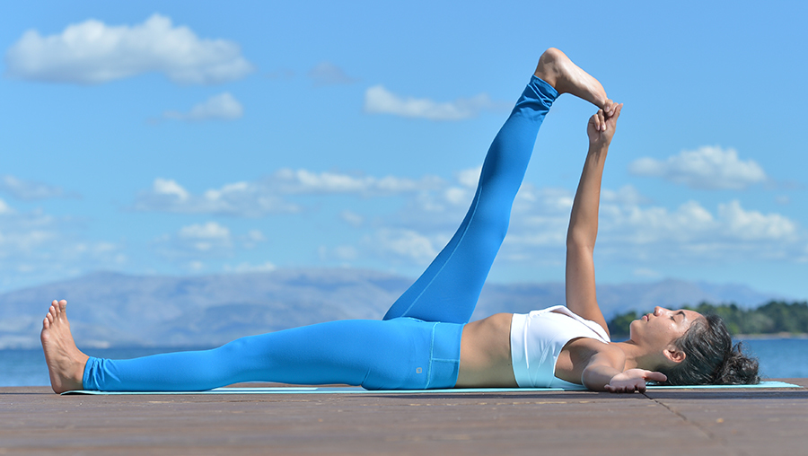 Yoga-Übung Beindehnung
