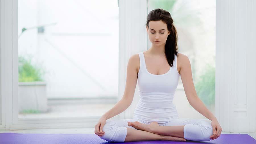 Meditation auf der Yogamatte
