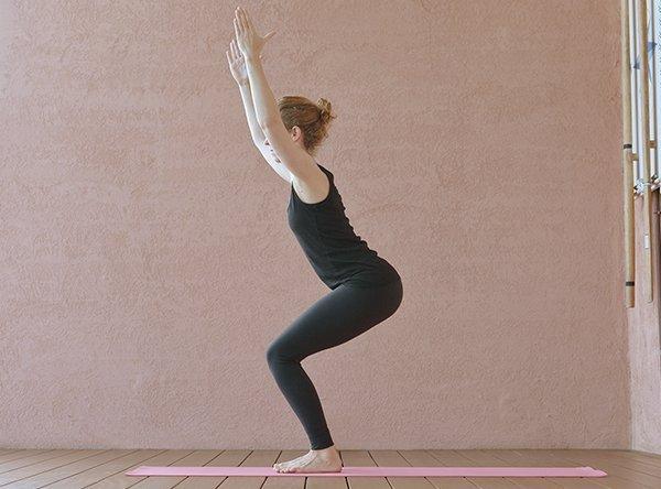 Stuhl – Utkatasana im Yoga