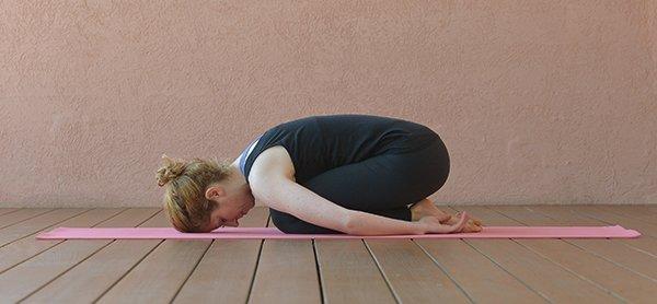 Yogahaltung Kind