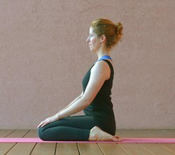 Yoga-Übung Virasana