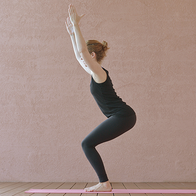 Utkatasana - der Stuhl (Yoga-Übung)