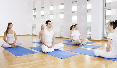 Meditation im Yogastudio