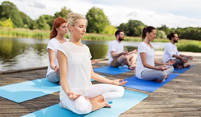 Meditation auf dem Steg