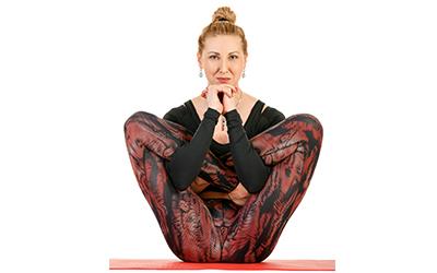 Yoga Garbha Pindasana