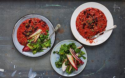 Hirsotto mit Roter Bete und warmem grünem Salat