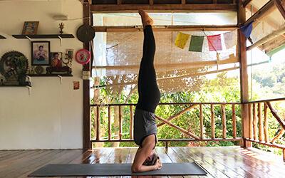 Ashtanga_Yoga_Kopfstand