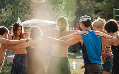Kula yogische Gemeinschaft