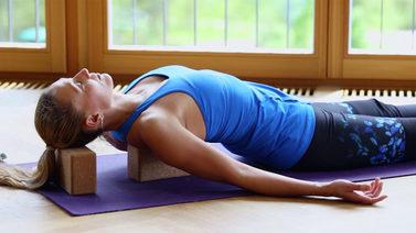 Yoga Video Entspannt und frei: Yoga für Schultern und Nacken