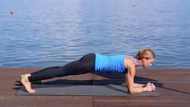 Yoga Video Yoga mit 50: Weniger Tempo, mehr Intensität