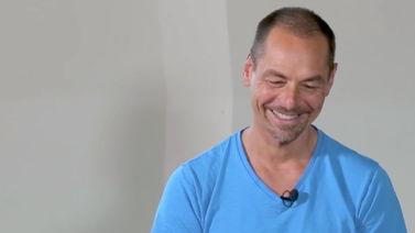 Yoga Video Timo Wahl über Yoga, Buddhismus und Achtsamkeit