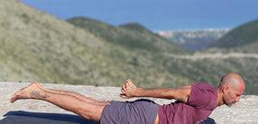 Morgen-Yoga Flow mit Dehnungen