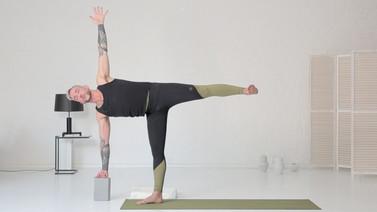 Yoga Video Twist and Turn: Vertrauen schaffen, Mitte stärken